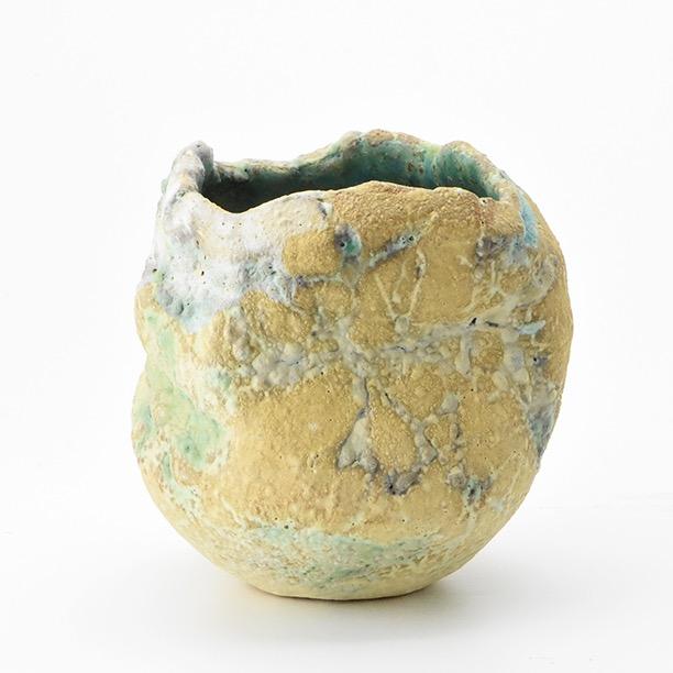 Pinch Pot by Linda John (10cm by 10cm approx)